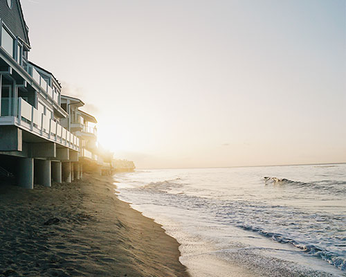 homes along the pacific coast